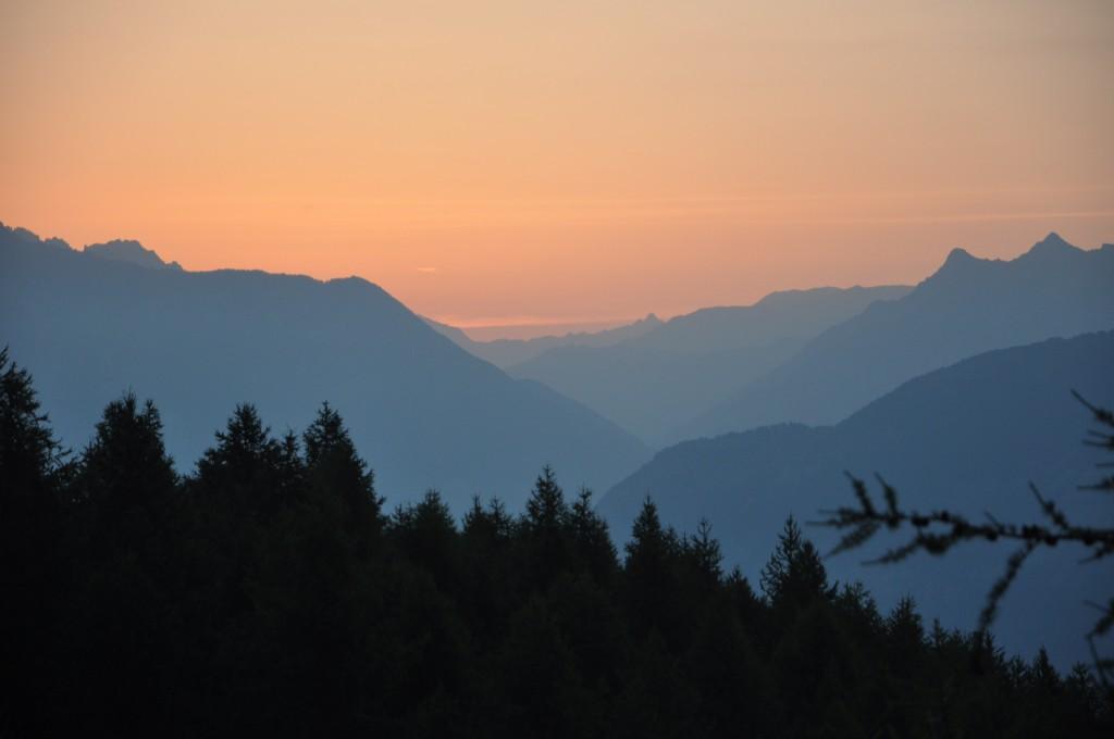 Lever du soleil sur le chemin du Mont Guillaume