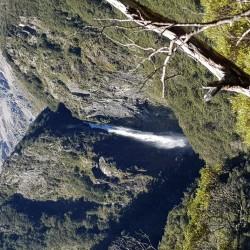 Devils Punchbowl cascade en montant l'avalanche Peak