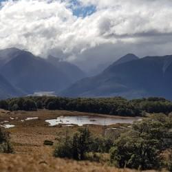 En descendant vue orageuse vers Arthur's Pass
