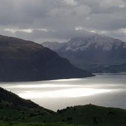 Jeu de lumière sur le lac ...