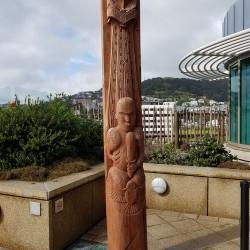 Totem Mauri sur la terrasse du Musée