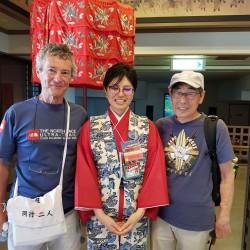Japonais voulait me prendre en photo avec la guide