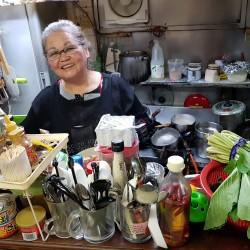 La cuisinière âgée de 70 ans