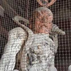 de va statue protége des ennemis du Bouddhisme