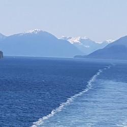 Océan, montagnes neige