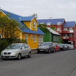 façade et toiture multicolore de Reykjavik