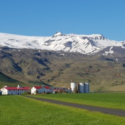 Glaciers au dessus de la ferme proche de Solheimahja Guesthouse