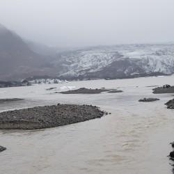 rivière lac et glacier